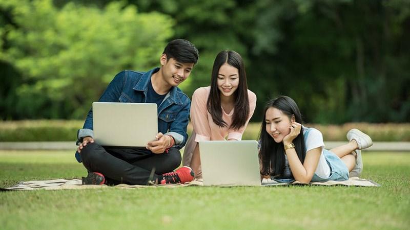 Sinh viên các ngành khoa học cơ bản nên chọn laptop có cấu hình thấp, chú ý về CPU và RAM laptop