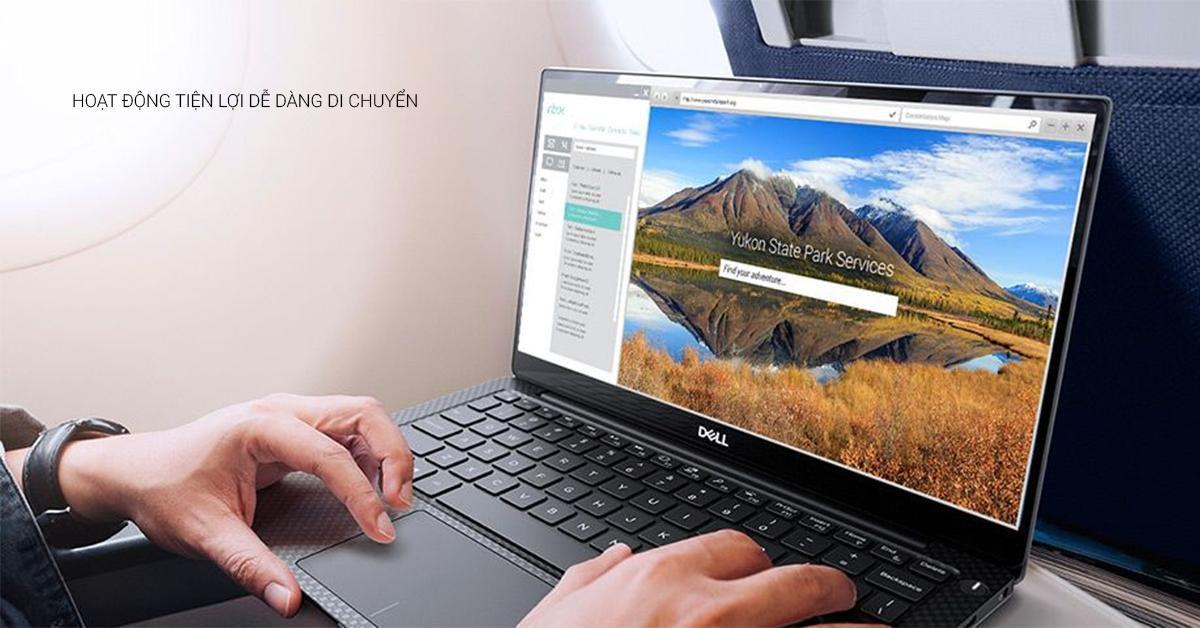 Mặt trong laptop cũng được thiết kế cực kì tinh tế