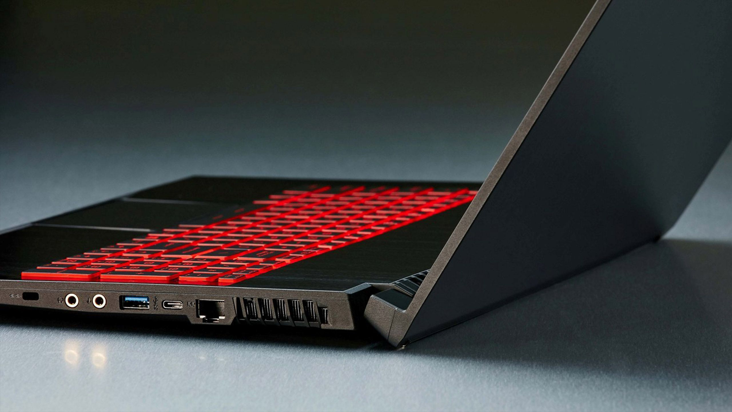 bàn phím led đỏ đẹp mắt của gl75 9sd