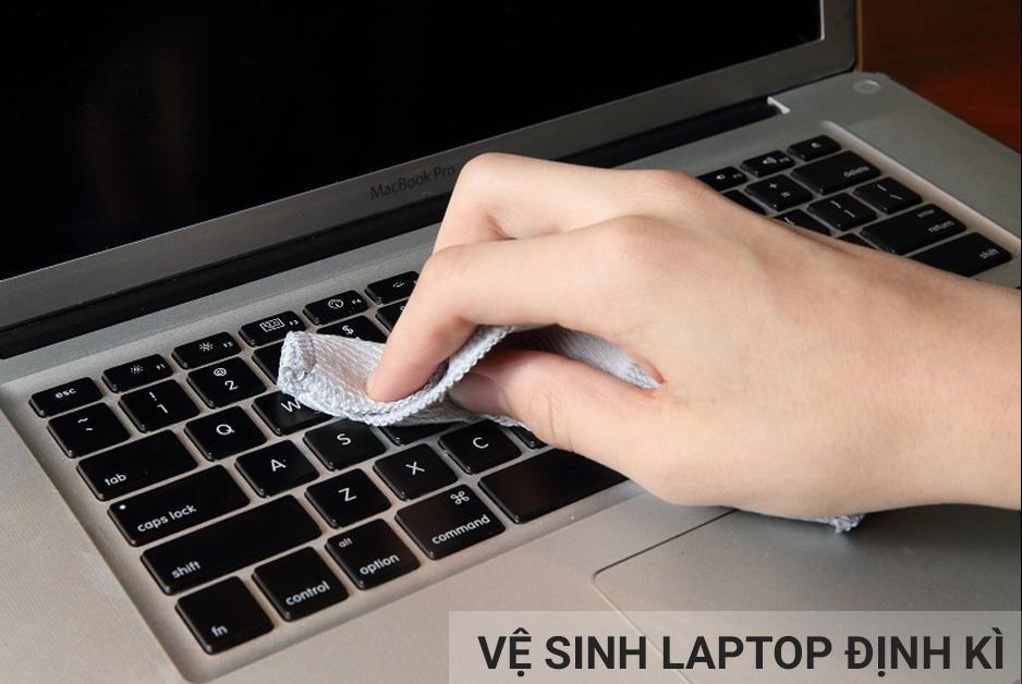 vệ sinh laptop định kì